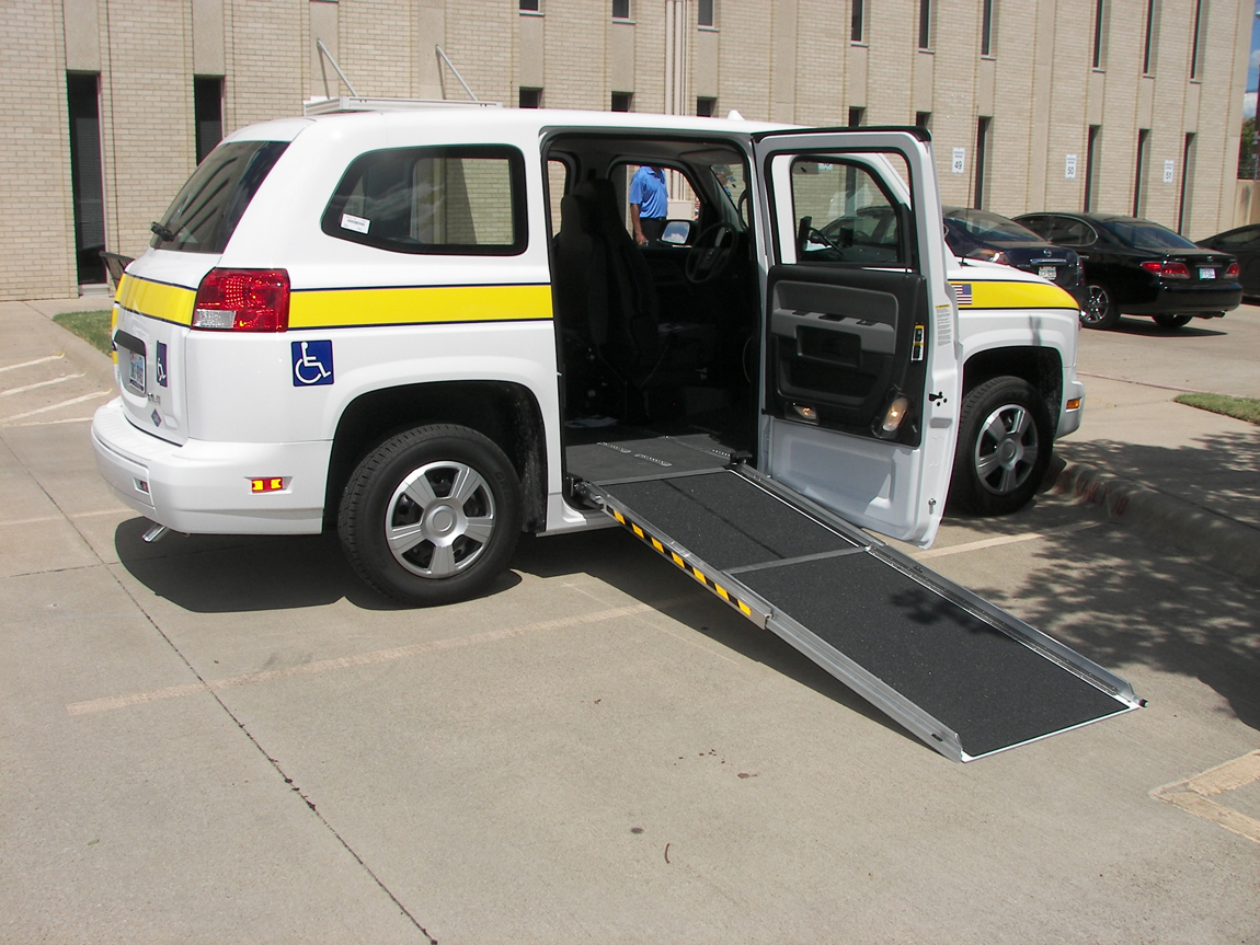 Paratransit mv with ramp down